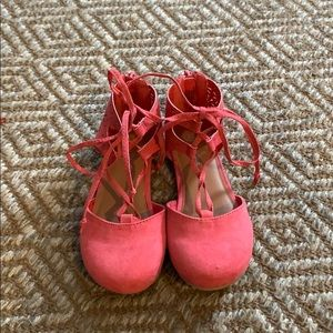 Girls Coral Lace-up Shoes